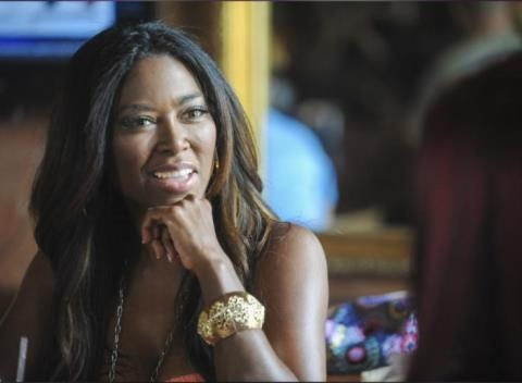 News video: 'Real Housewives' Star Kenya Moore -- Loves HER Guns, But Not Boozy 'Rednecks' With Guns